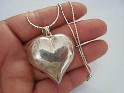 Hatalmas szív ezüst medál ,új ezüst lánccal