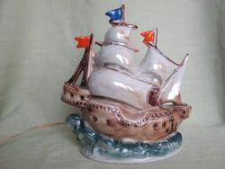 Vitorlás hajó porcelán lámpa
