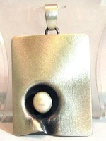 Ezüst medál gyönggyel (Kecs-Ag63885)
