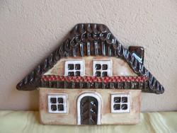Kerámia ház formájú falidísz
