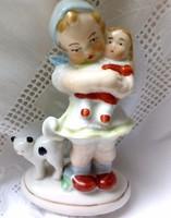 Német porcelán kislány babával és cicával