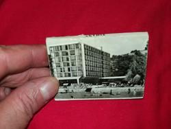 Régi 1970 emlék fotósorozat Tihany kis album Képzőművészeti Alap Kiadó a képek szerint 9 X 6 cm