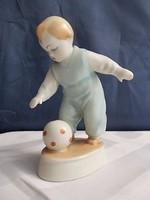 Zsolnay labdázó kisfiú hibátlan
