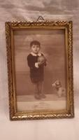 Antik arany - fa képkeret gyermek játékokkal műtermi fotóval