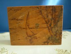 Retro vésett, festett fa doboz Siófok felirattal, Balaton látképpel