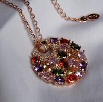 AKCIÓ! Gyönyörű nyaklánc, rozé arany színben, csillogó kristályokkal