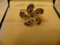 Szép virág formájú ezüst gyűrű