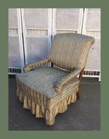 Romantikus,kecses fotel,nagyon kényelmes..