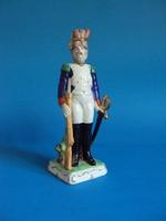 Eladó gyönyörű Lippersdorfi porcelán katona
