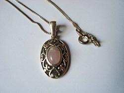 Pink jáde köves ezüst medál ezüst láncon