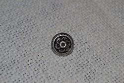 91 db antikolt, ezüstözött fém gomb