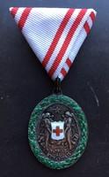 Vörös Kereszt Ezüst Díszérme, hadidíszítménnyel