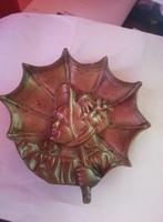 Réz hamutál vagy falikép (kislány esernyővel)