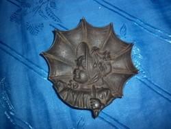 Antik kisméretű öntött vas tálka