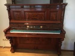 Carl H Hintze felújított pianínó