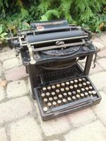Remington antik írógép 1885-ből