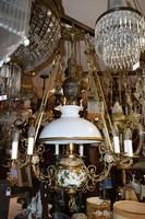 Elektromossá átalakított petróleum lámpa
