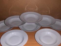 Fehér porcelán mélytányér készlet 6+2 db