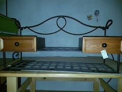 Kovácsolt vas-fa fiókos bútor