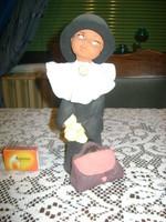 Kerámia kalapos bohóc fiú  figura