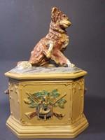Ritka, antik festett vadászjelenetes dohánytartó