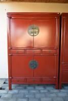 Több darab, tradicionális kínai szekrény eladó.