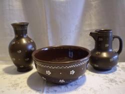 Városlődi barna kerámia kínáló mély tál boros vagy vizes kancsó és váza