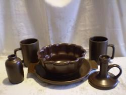 Városlődi barna kerámia kuglóf sütő, süteményes tál, 2 db korsó, gyertyatartó, váza