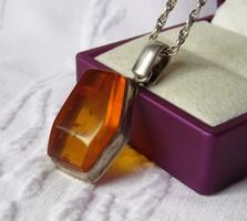 ART DECO ezüst medál borostyánnal, gyönyörű, fonott ezüst láncon