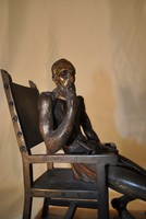 A gondolkodó lovag- látványos bronz szobor