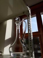 Magas üveg karaffa-csiszolt dugóval és talpal-jelzett-32 cm