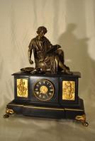 Pazar szépségű bronz szobros óra