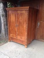 Szép régi szekrények  eladók