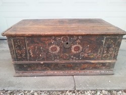 Painted (tulip) chest in need of renovation with the inscription 1863