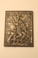 Zenész figurás domborított lemez falikép