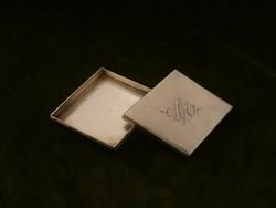 Ezüst dobozka / gyógyszeres szelence MM monogrammal