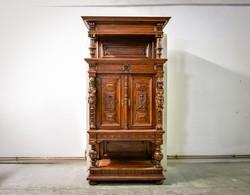 Neoreneszánsz kabinetszekrény 19. századból