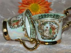 Meseszép jelenetes porcelán mokkás csésze 2 db és ajándéként 2 db kicsit hibás, gyűjtői