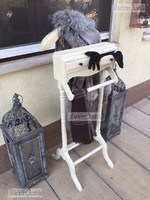 Provence bútor, antikolt szobainas.