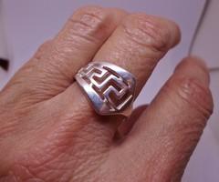 Szép kis tömör ezüstgyűrű