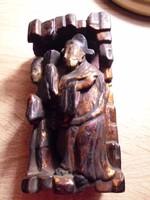 Faragott két alakos keleti szobor(sérült)