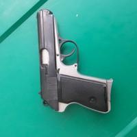 Gyűjtzeményi állapotú RK-59 pisztoly hatástalanítva