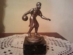 Ókori sportoló, márványtalapzaton