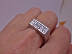 Gyönyörű antik ezüstgyűrű fehér zafírokkal
