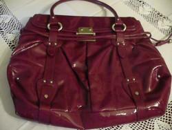 Nagyobb méretű MISCHA női lakk táska