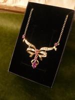 Vörös arany kolié / nyaklánc rubinnal és gyémánttal