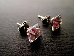 Apró kristályos négyzetes fülbevaló