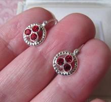 Ezüst baba kislány fülbevaló piros kövekkel - új ékszer