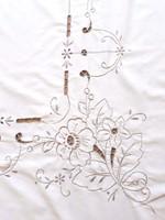 Hímzett vászon teritő 130x168 cm