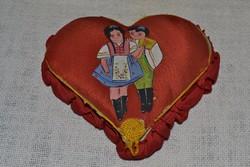 Kézi munkával készült régi ékszertartó szív formával